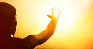 مقتطف - كيف تتجنب ضربة الشمس و ماهي إسعافات المصاب بها لإنقاذ حياته؟