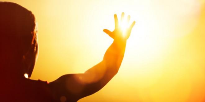 مقتطف – كيف تتجنب ضربة الشمس و ماهي إسعافات المصاب بها لإنقاذ حياته؟