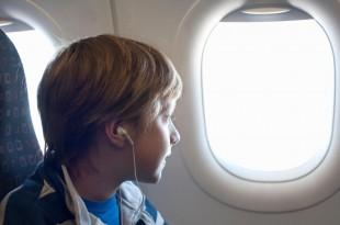مقال - ما سر ترك ستائر نوافذ الطائرة مفتوحة عند الإقلاع والهبوط؟