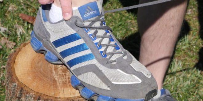 مقتطف - ما السبب الحقيقي لوجود فتحة إضافية في الحذاء الرياضي؟